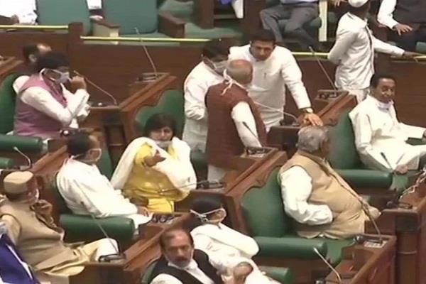 madhya pradesh speaker accepts 16 rebel mlas resigns before floor test