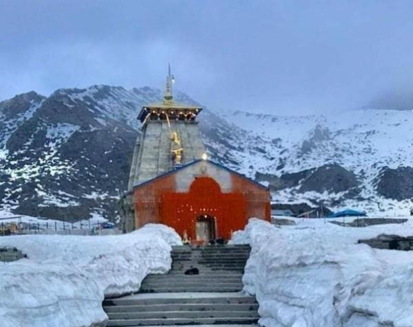 baba kedarnath s doors opened amid lockdown