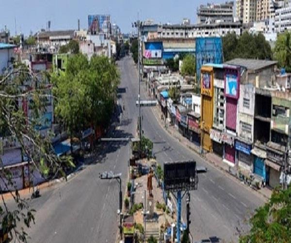 3 passers by foot from shimla caught in sundernagar