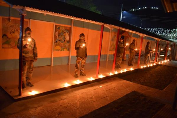 army jawan lighten diyas on pm appeal