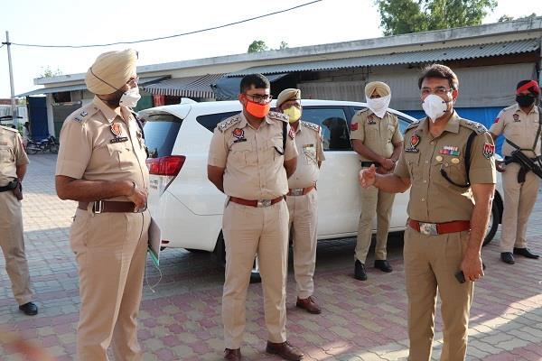 ssp navjot singh mahal took stock of curfew in patara and talhan