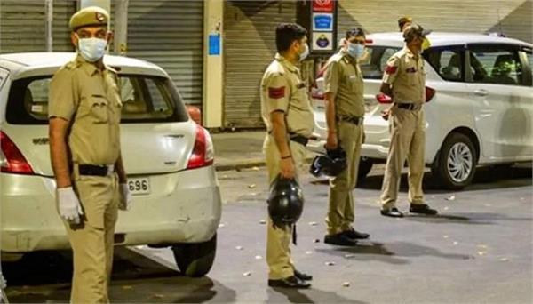 दिल्ली में तेजी से संक्रमित हो रहे ...