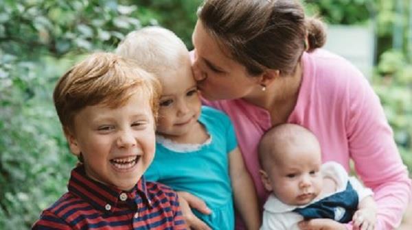 मां को खुश रखना है तो कभी न करें ये 4 काम
