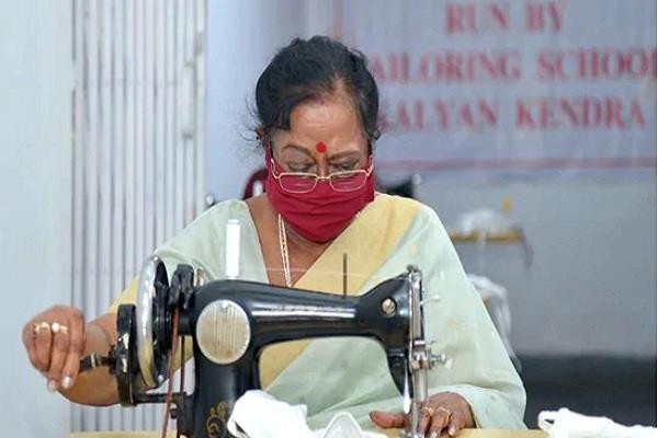 president wife savita kovind herself stitched cloth masks