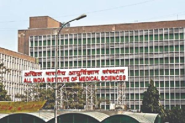 aiims corona infected woman gives birth to child