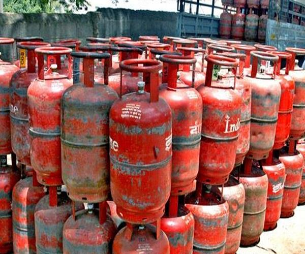 cylinder will be given free to consumers of ujjwala scheme