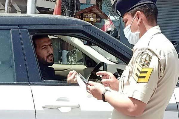 क्रिकेटर ऋषि धवन को कर्फ्यू नियम तोड़ना पड़ा महंगा, पुलिस ने ऐसे सिखाया सबक