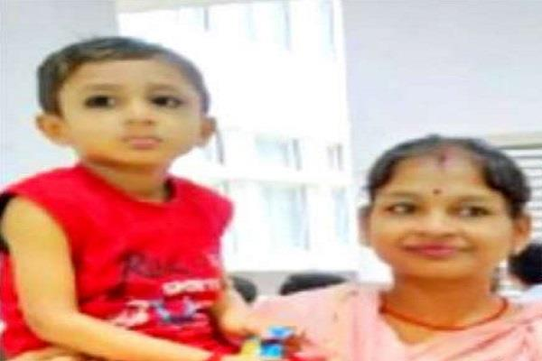 woman doctor treatment corona dies brain hemorrhage duty 3 yr child left home