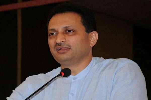 bjp mp hegde angry over twitter handle block