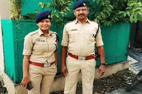 sub inspector caught in lockdown now working under dsp daughter