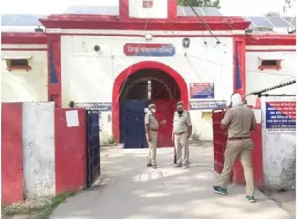 ballia prisoners create ruckus after breaking into district jail