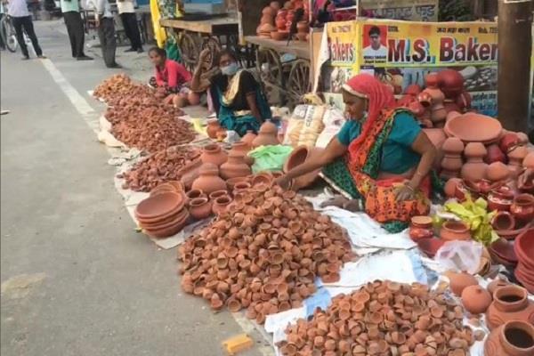 diya shops decorated on the road like deepawali on pm s appeal