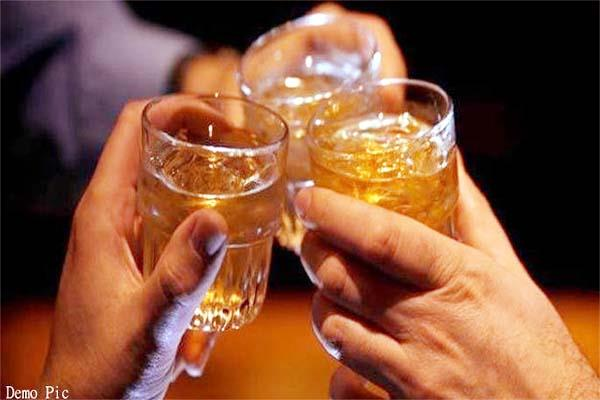 4 employees caught in bsnl exchange during liquor party