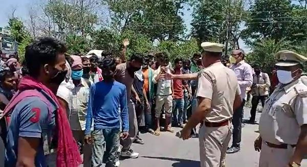 migrant laborers blocked the road