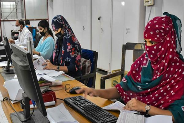 pregnant women divyang should be allowed to come back to offices center