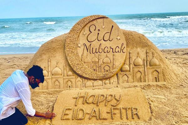 eid is being celebrated in country pm modi president congratulated
