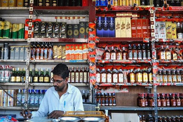 66 private liquor shops opened on certain conditions in delhi today