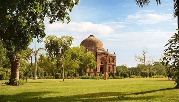 parks will open conditionally including lodi gardens in new delhi