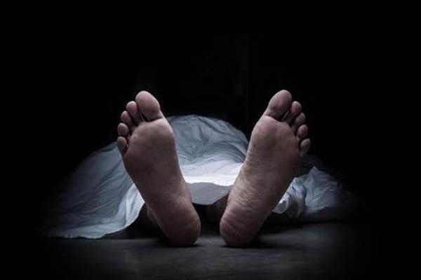 truck driver dies due to cardiac arrest taking manure