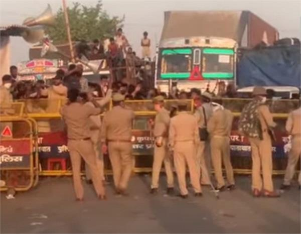 up mp border jammed for not allowing entry labor uproar