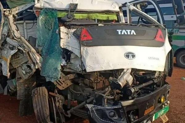 horrific road accident in madhya pradesh