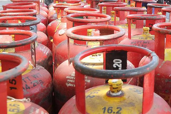 good news for 7 crore lpg customers now gas booking will be booked