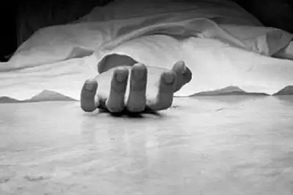 unidentified body found hanging on the stairs of bus stand
