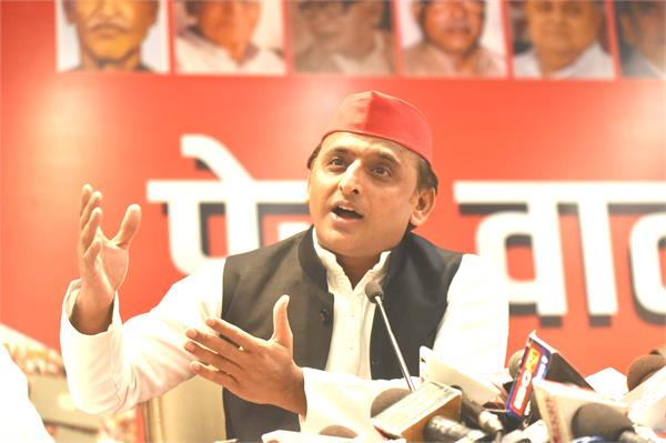 akhilesh said on the workers  return home  never seen such an