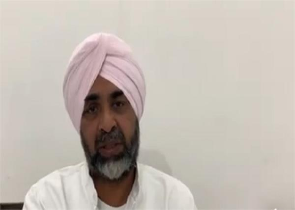 manpreet badal appealed to people to get emotional on father s death