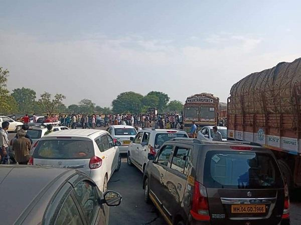 people are being stopped on the up border