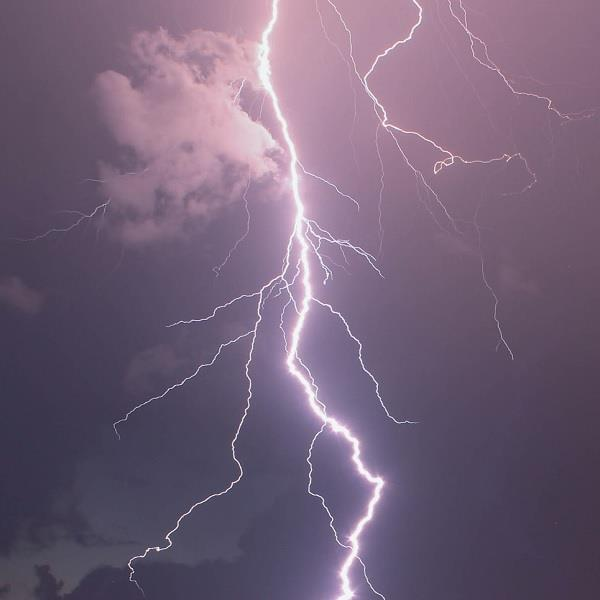 mother injured in lightning fall to save child