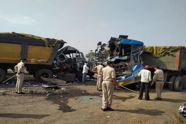 bus collided with laborers 3 including bus driver killed 23 injured