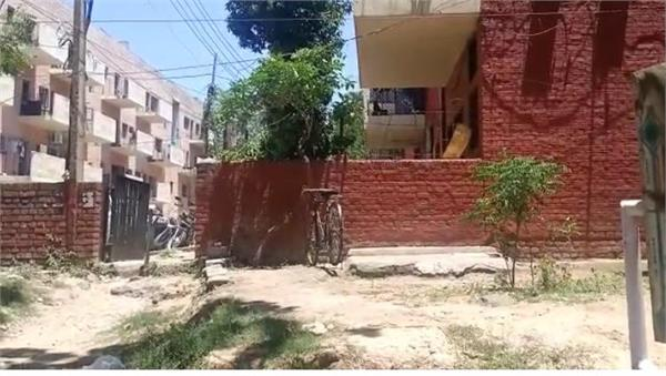 death of a 55 year old man living in sector 36 under suspicious circumstances