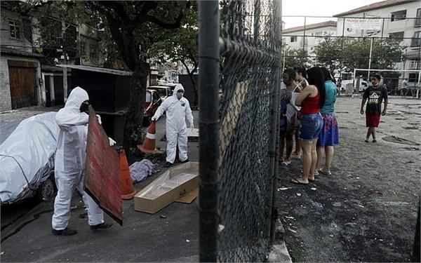 body lay on street for 30 hours as brazil struggles with 20 000 corona deaths