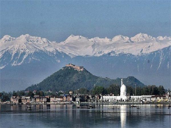 Lockdown Impact: प्रदूषण छटा तो श्रीनगर से साफ दिखीं पीर पंजाल रेंज