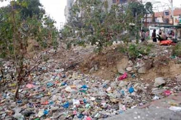 kalpana chawla park becomes the hub of drug and dirt