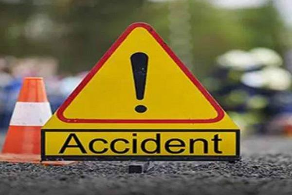 police officer in charge of corona duty in panna died in road accident