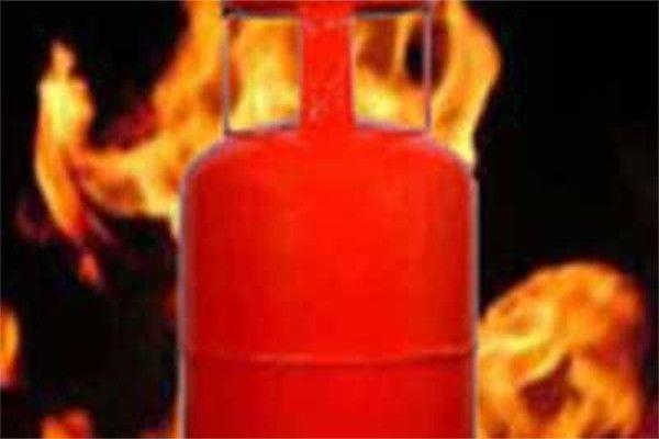 12 houses burnt due to fire in west champaran