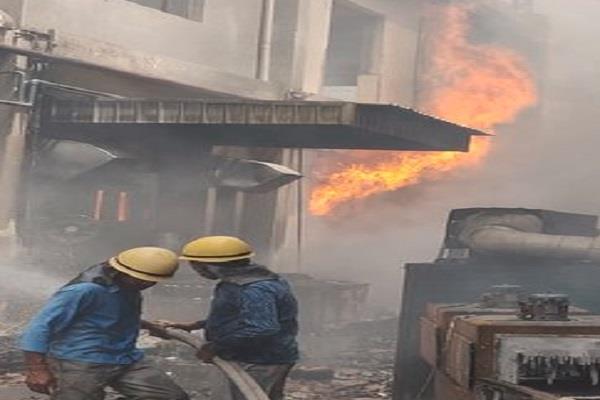 fierce fire in sanitizer making company 60 to 70 employees