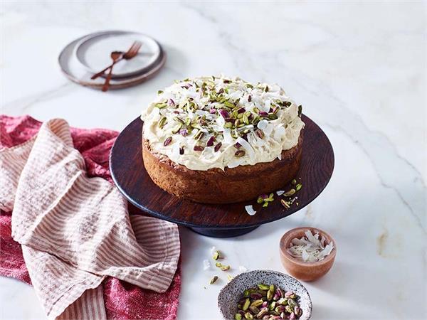 मदर्स डे अपनी मां के लिए घर पर ही स्पेशल केक