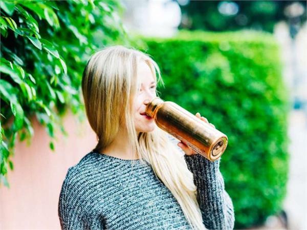 Health Tips: तांबे के बर्तन में पानी पीने से ही मिलेंगे ये बेहतरीन फायदे