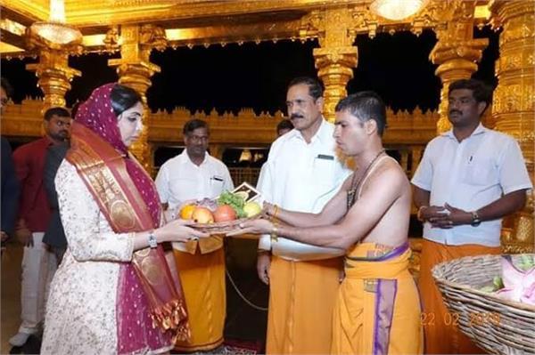 dubai uae princess hend al qassimi visited indian temple