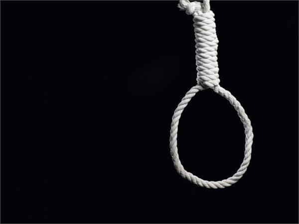 the job was lost due to lockdown then the driver hanged the suicide