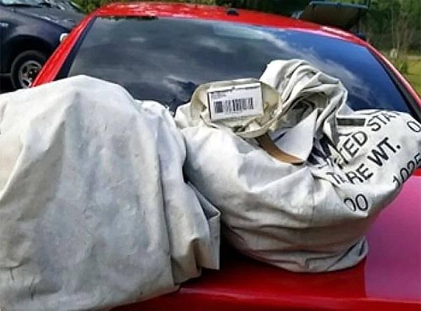 virginia family finds two bags in garbage find 7 5 crore