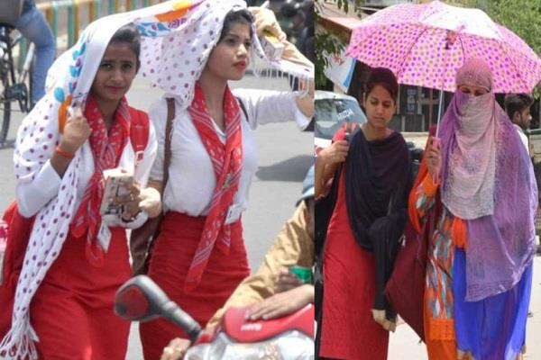 people in up suffer from intense heat and heat difficult to get out of homes