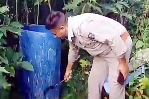 police takes big action against liquor mafia