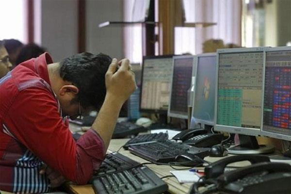 stock market plunges investors drown 5 83 lakh crore