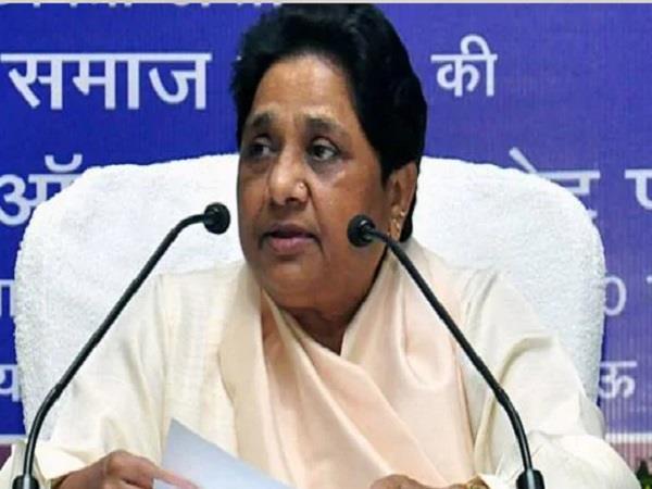 congress shocked in madhya pradesh by election