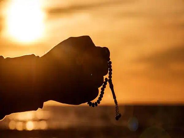 मन की शांतिः गायत्री मंत्र का कब और कैसे करें उच्चारण