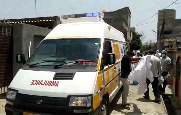 women returned from mumbai found corona positive in dadri